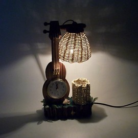 Valentine'S Day Creative Furnishing Articles Gifts Boutique Handicraft The Violin With Wooden Clock Desk Lamp Led Light